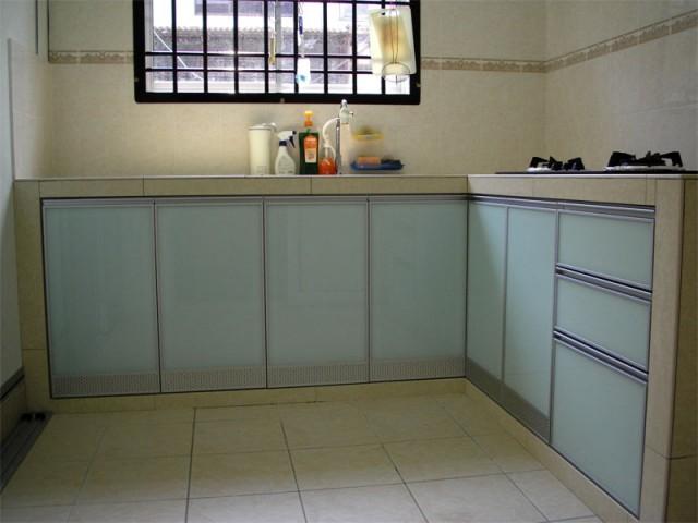 Yun Keong Aluminium Glass Kitchen Cabinet Accesories In Skudai
